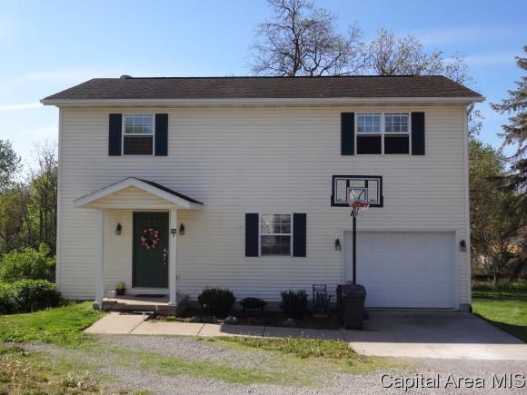 600 Piza St, Riverton, IL 62561 (MLS #182723) :: Killebrew & Co Real Estate Team