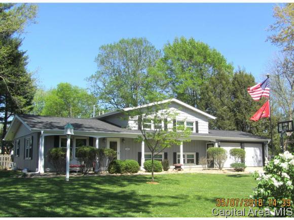 135 Willow Rd, Rochester, IL 62563 (MLS #182741) :: Killebrew & Co Real Estate Team