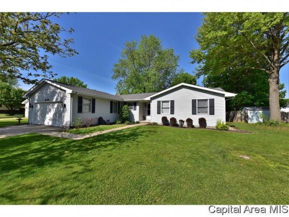 2713 Cheshire Rd, Springfield, IL 62703 (MLS #182855) :: Killebrew & Co Real Estate Team