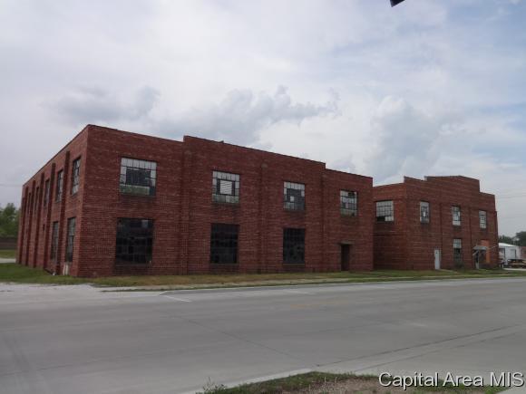 217 E Main St, Beardstown, IL 62618 (MLS #183002) :: Killebrew & Co Real Estate Team