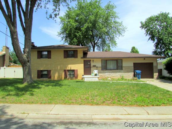 113 Nottingham, Springfield, IL 62704 (MLS #183011) :: Killebrew & Co Real Estate Team