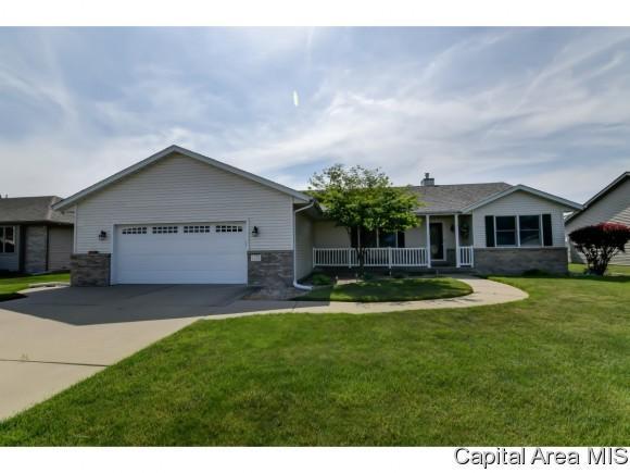 1201 Sugar Tree Court, Chatham, IL 62629 (MLS #183148) :: Killebrew & Co Real Estate Team