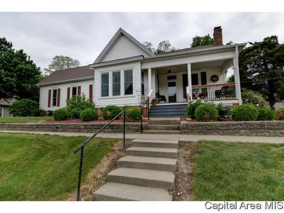 109 W Jackson St, Athens, IL 62613 (MLS #183154) :: Killebrew & Co Real Estate Team