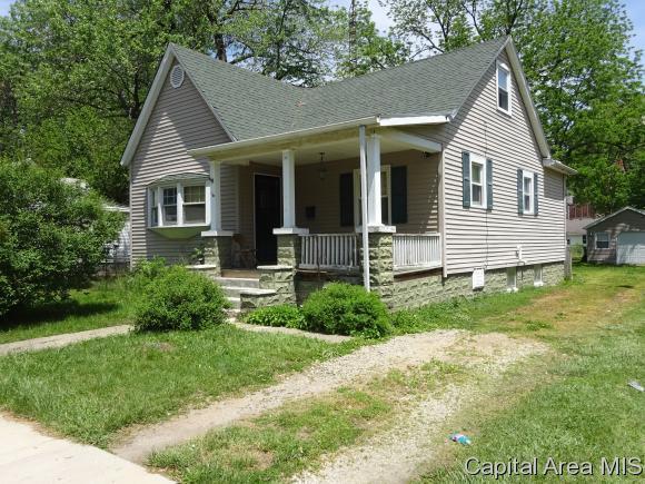1108 N 14TH ST., Springfield, IL 62702 (MLS #183155) :: Killebrew & Co Real Estate Team