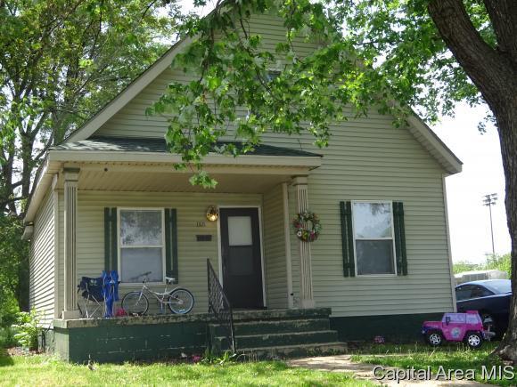 1321 N 15TH ST., Springfield, IL 62702 (MLS #183159) :: Killebrew & Co Real Estate Team