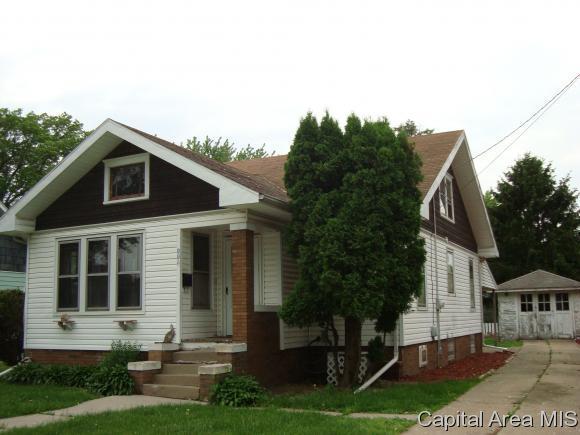 112 Silver Street, Galesburg, IL 61401 (MLS #183172) :: Killebrew & Co Real Estate Team