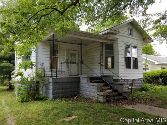 119 N Church St., Virden, IL 62690 (MLS #183181) :: Killebrew & Co Real Estate Team