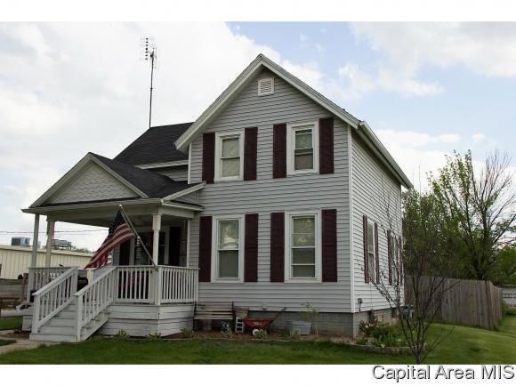 306 W Meek St, Abingdon, IL 61410 (MLS #183182) :: Killebrew & Co Real Estate Team