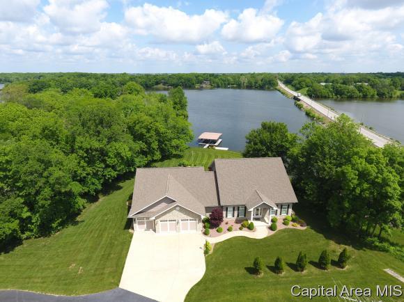 2 Idlewild Ln, Chatham, IL 62629 (MLS #183205) :: Killebrew & Co Real Estate Team