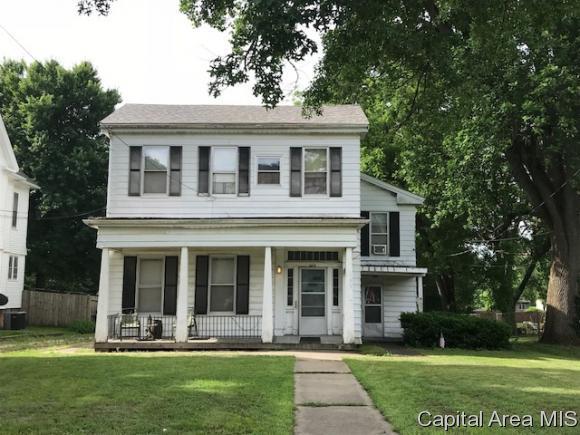 669 E State St, Jacksonville, IL 62650 (MLS #183377) :: Killebrew & Co Real Estate Team