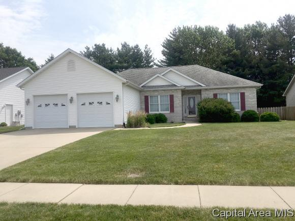 2216 Dubsdread Dr, Springfield, IL 62711 (MLS #183630) :: Killebrew & Co Real Estate Team