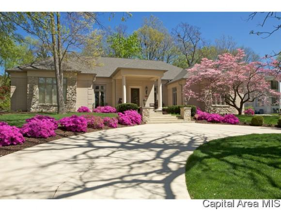 1837 Outer Park, Springfield, IL 62704 (MLS #183644) :: Killebrew & Co Real Estate Team