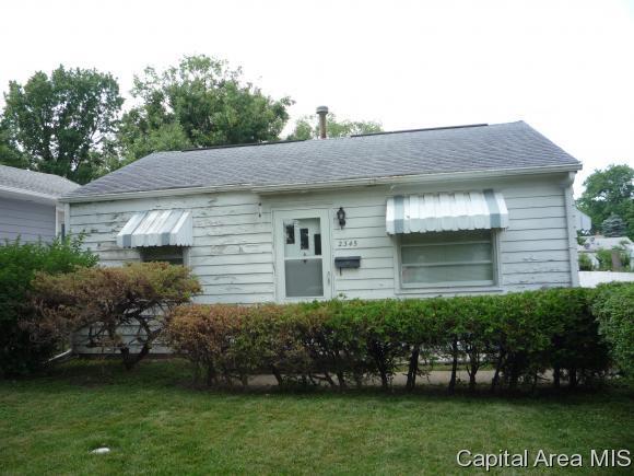 2345 E Converse Ave, Springfield, IL 62702 (MLS #183648) :: Killebrew & Co Real Estate Team
