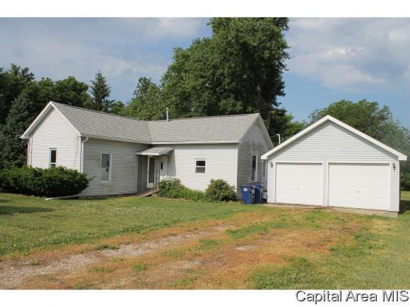 683 Curtiss Rd, Waverly, IL 62692 (MLS #183675) :: Killebrew & Co Real Estate Team