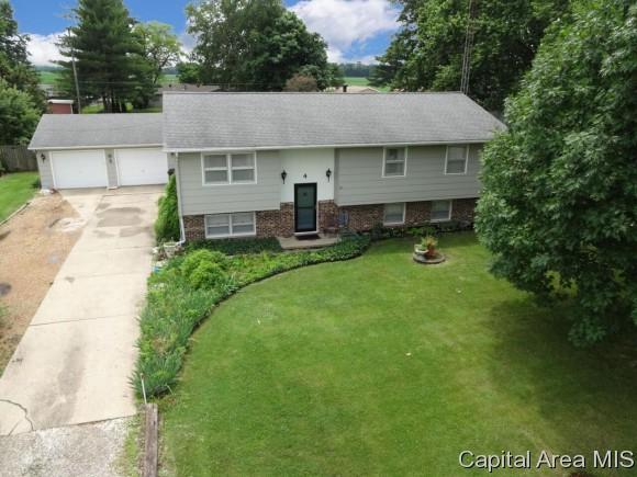 4 Regent Lane, Springfield, IL 62711 (MLS #183733) :: Killebrew & Co Real Estate Team