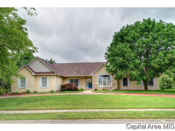 5205 Eagle Ridge, Springfield, IL 62711 (MLS #183835) :: Killebrew & Co Real Estate Team