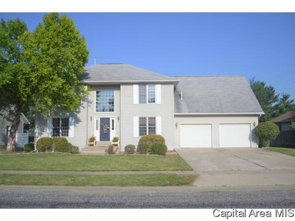 315 Westwinds Drive, Jacksonville, IL 62650 (MLS #183859) :: Killebrew & Co Real Estate Team