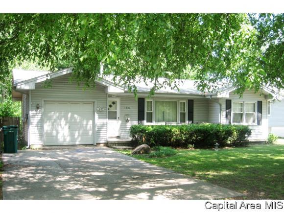1532 N Stephens Ave, Springfield, IL 62702 (MLS #183874) :: Killebrew & Co Real Estate Team