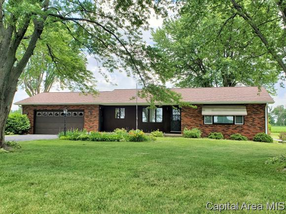 755 Us Highway 150 E, Galesburg, IL 61401 (MLS #183962) :: Killebrew & Co Real Estate Team