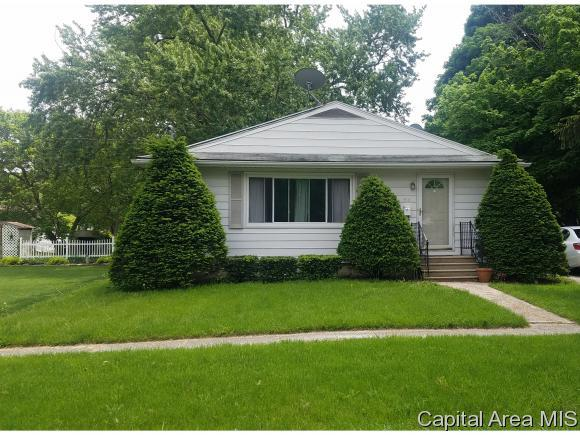 516 E South St, Knoxville, IL 61448 (MLS #183974) :: Killebrew & Co Real Estate Team