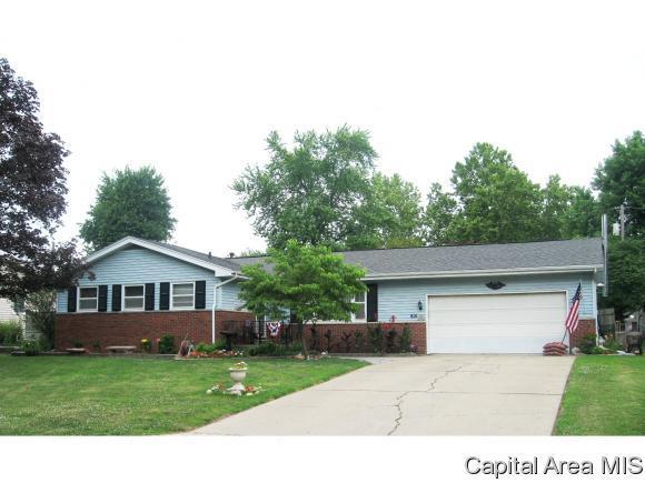 821 Oxford, Chatham, IL 62629 (MLS #184003) :: Killebrew & Co Real Estate Team
