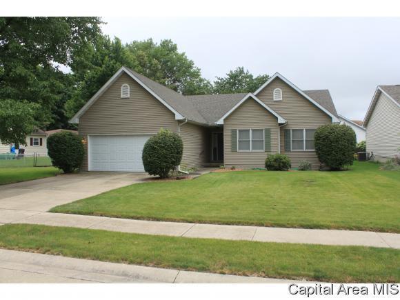 2400 Glencoe, Springfield, IL 62704 (MLS #184054) :: Killebrew & Co Real Estate Team