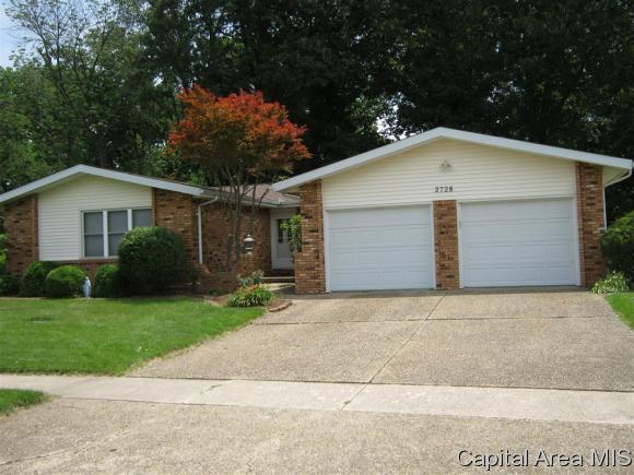 2728 Arrowhead Dr, Springfield, IL 62702 (MLS #184142) :: Killebrew & Co Real Estate Team