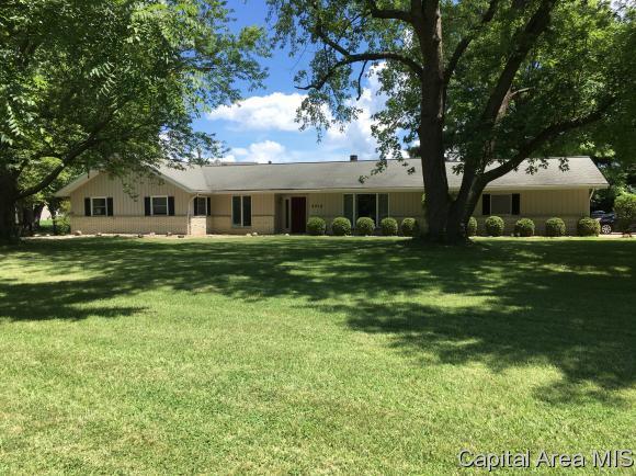 4010 Oak Hill Rd, Rochester, IL 62563 (MLS #184283) :: Killebrew & Co Real Estate Team