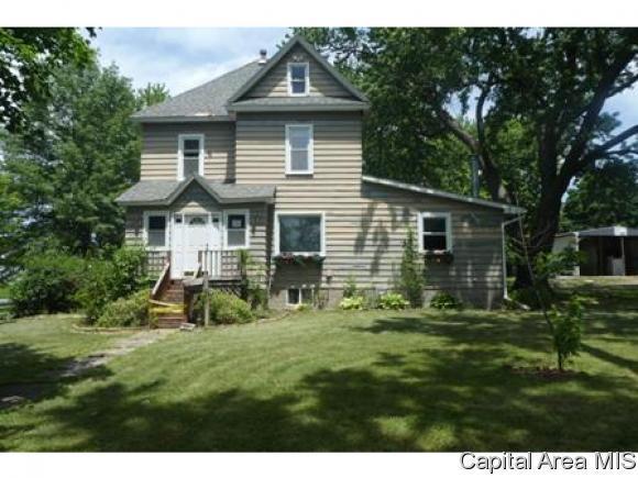 521 W Jefferson St, Mt Pulaski, IL 62548 (MLS #184297) :: Killebrew & Co Real Estate Team