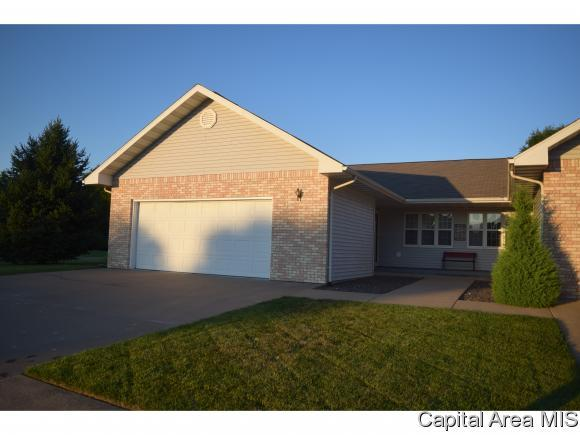 18 Wadsworth, Jacksonville, IL 62650 (MLS #184348) :: Killebrew & Co Real Estate Team