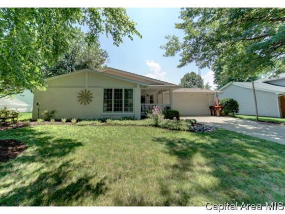 1219 Pueblo Ln, Auburn, IL 62615 (MLS #184353) :: Killebrew & Co Real Estate Team