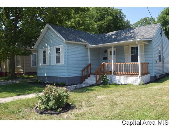 711 S Clay, Jacksonville, IL 62650 (MLS #184533) :: Killebrew & Co Real Estate Team