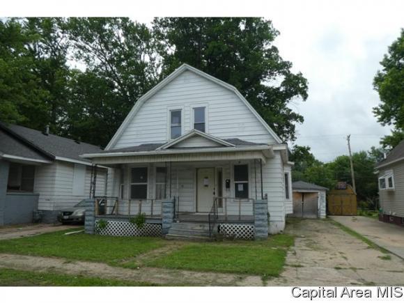 1904 S 11th Street, Springfield, IL 62703 (MLS #184535) :: Killebrew & Co Real Estate Team
