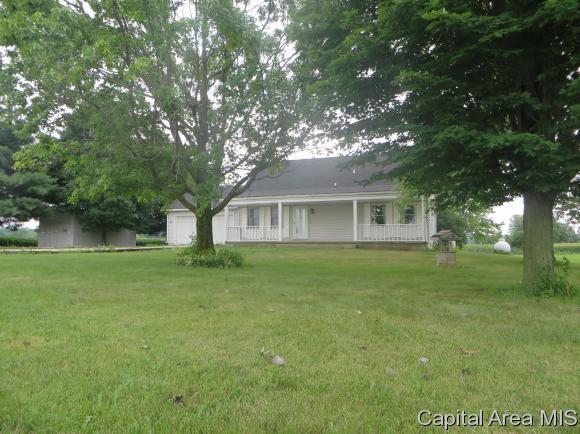 12872 Walnut Woods Dr, Pleasant Plains, IL 62677 (MLS #184550) :: Killebrew & Co Real Estate Team