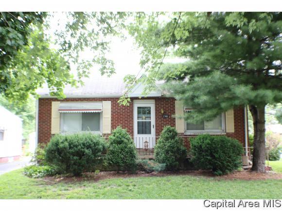 2740 S State St, Springfield, IL 62704 (MLS #184564) :: Killebrew & Co Real Estate Team