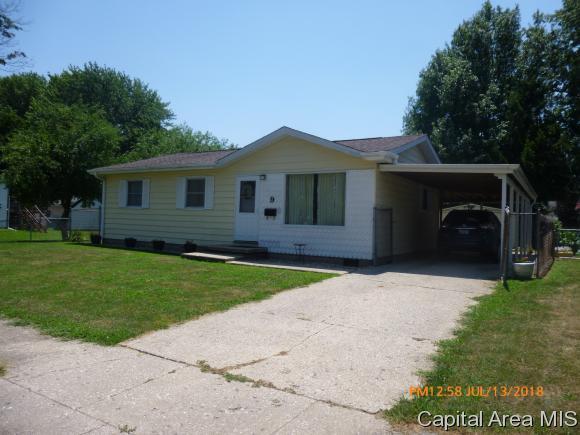 9 Sommerset Dr, Jacksonville, IL 62650 (MLS #184567) :: Killebrew & Co Real Estate Team