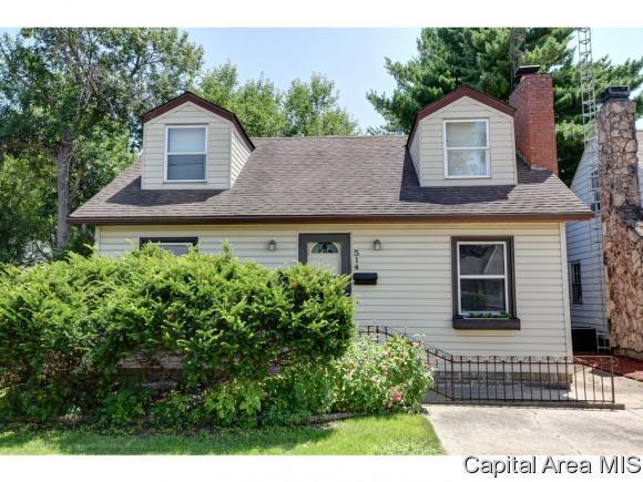 514 E Kern St, Springfield, IL 62703 (MLS #184574) :: Killebrew & Co Real Estate Team