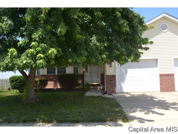 1 Hawks Nest, Chatham, IL 62629 (MLS #184586) :: Killebrew & Co Real Estate Team