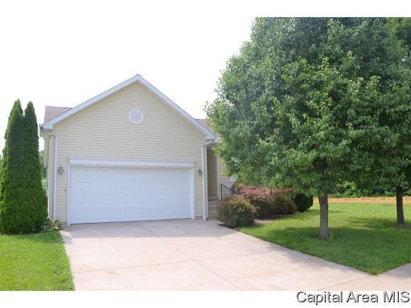 49 Greystone, Jacksonville, IL 62650 (MLS #184630) :: Killebrew & Co Real Estate Team