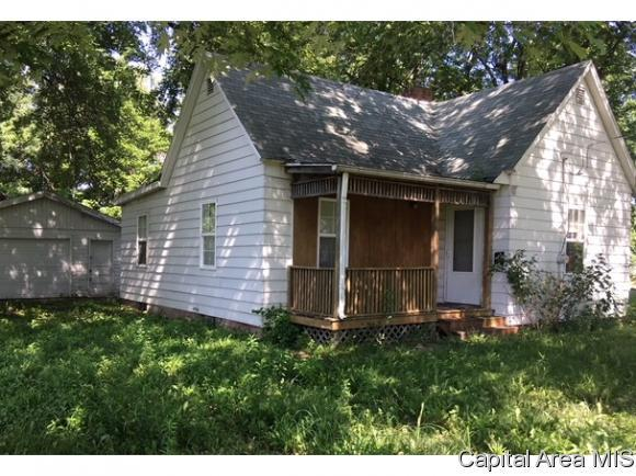 1123 Allen, Jacksonville, IL 62650 (MLS #184717) :: Killebrew & Co Real Estate Team