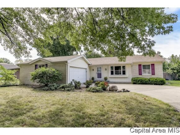 2609 W Lawrence Ave, Springfield, IL 62704 (MLS #184765) :: Killebrew & Co Real Estate Team