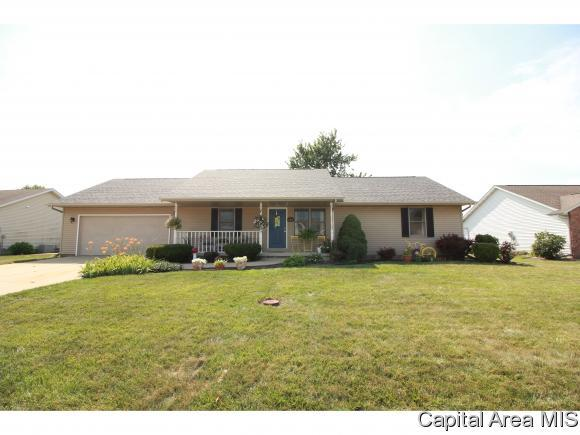 421 Lakeview Dr, Sherman, IL 62684 (MLS #184766) :: Killebrew & Co Real Estate Team