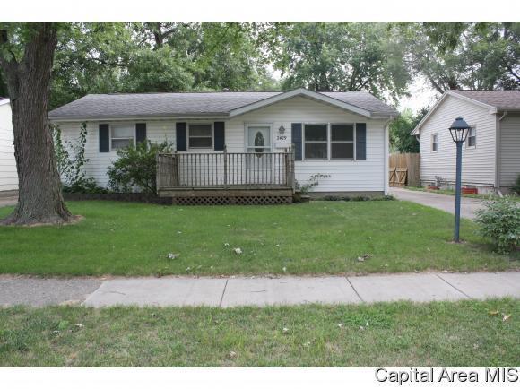2429 E Griffiths Ave, Springfield, IL 62702 (MLS #184771) :: Killebrew & Co Real Estate Team