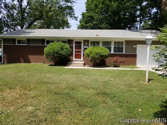 1345 W Iles Ave, Springfield, IL 62704 (MLS #184826) :: Killebrew & Co Real Estate Team