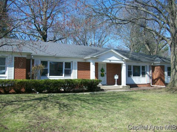 53 Pinehurst Dr, Springfield, IL 62704 (MLS #184839) :: Killebrew & Co Real Estate Team