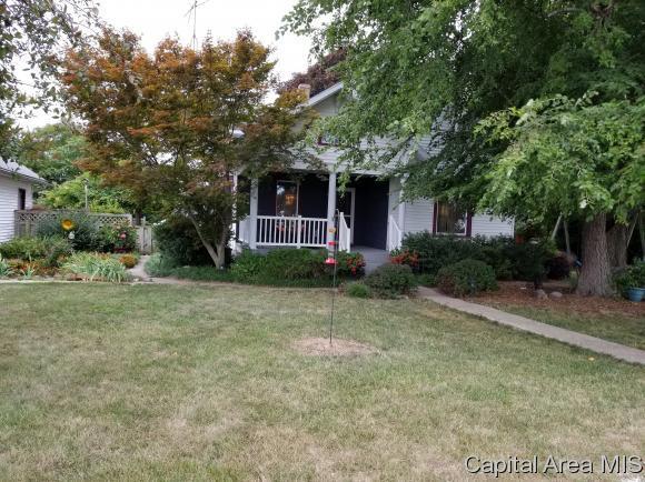 301 E Scottville Rd, Palmyra, IL 62674 (MLS #184883) :: Killebrew & Co Real Estate Team