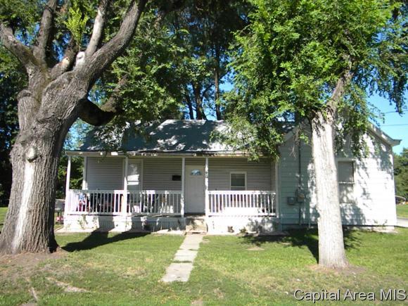 435 Hooker, Jacksonville, IL 62650 (MLS #184897) :: Killebrew & Co Real Estate Team
