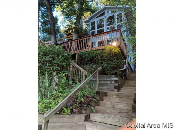 1026 Island Lane, Galesburg, IL 61401 (MLS #185021) :: Killebrew & Co Real Estate Team