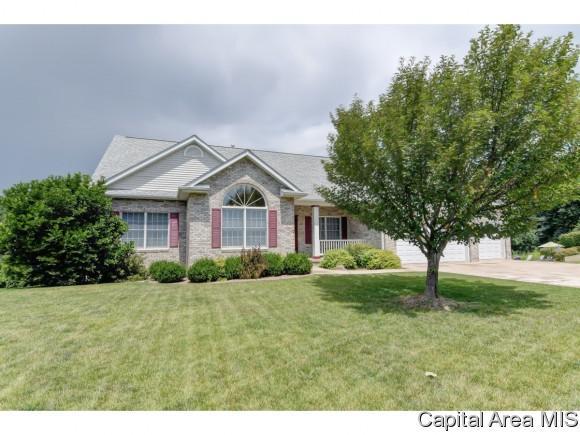 101 Manor Hill Dr., Chatham, IL 62629 (MLS #185094) :: Killebrew & Co Real Estate Team