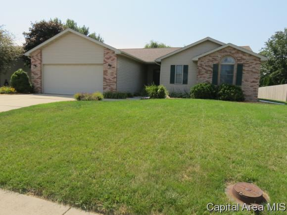 814 Money Tree Dr, Chatham, IL 62629 (MLS #185317) :: Killebrew & Co Real Estate Team
